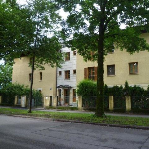 Fuerstenallee-44-Fassade-2_968.jpg